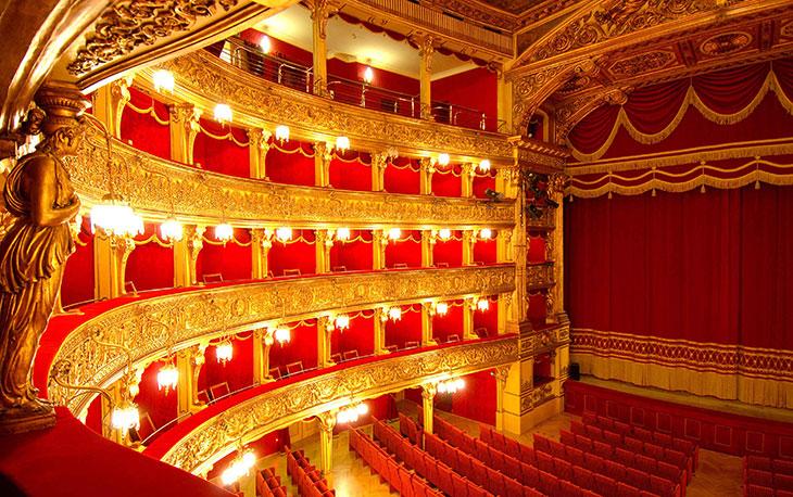 Teatro Stabile e Teatro Regio
